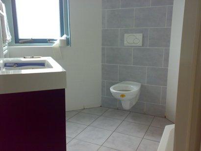 Betegelen van badkamer badkamer betegelen culemborg pgd tegelwerken en badkamermontage - Betegelen van natuurstenen badkamer ...